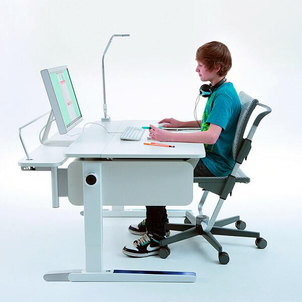 Освещение рабочего места или за компьютером должно быть идеальным