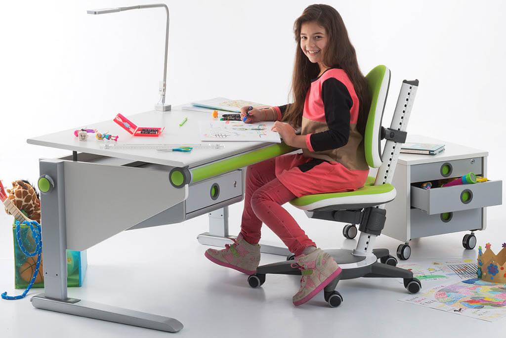 Правильная высота письменного стола для школьника