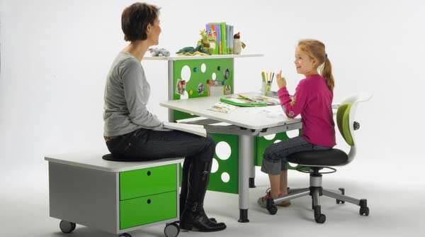 Выбираем правильный стул для школьника и подростка