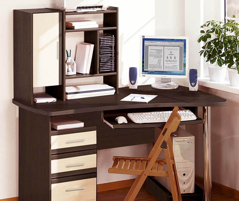 Что выбрать парту или письменный стол