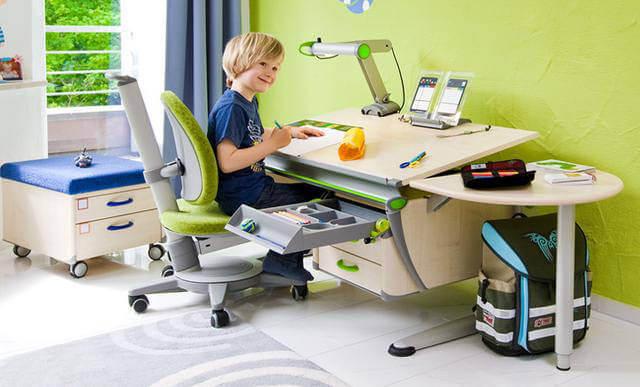 Как правильно выбрать письменный стол для школьника