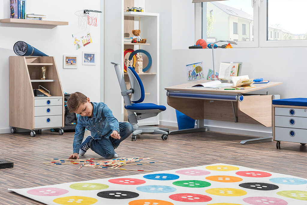 Детский письменный стол - moll WINNER